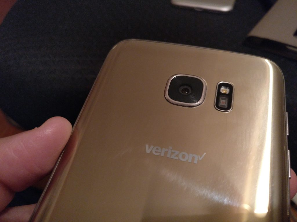 Galaxy S7 edge Verizon camera flash layout