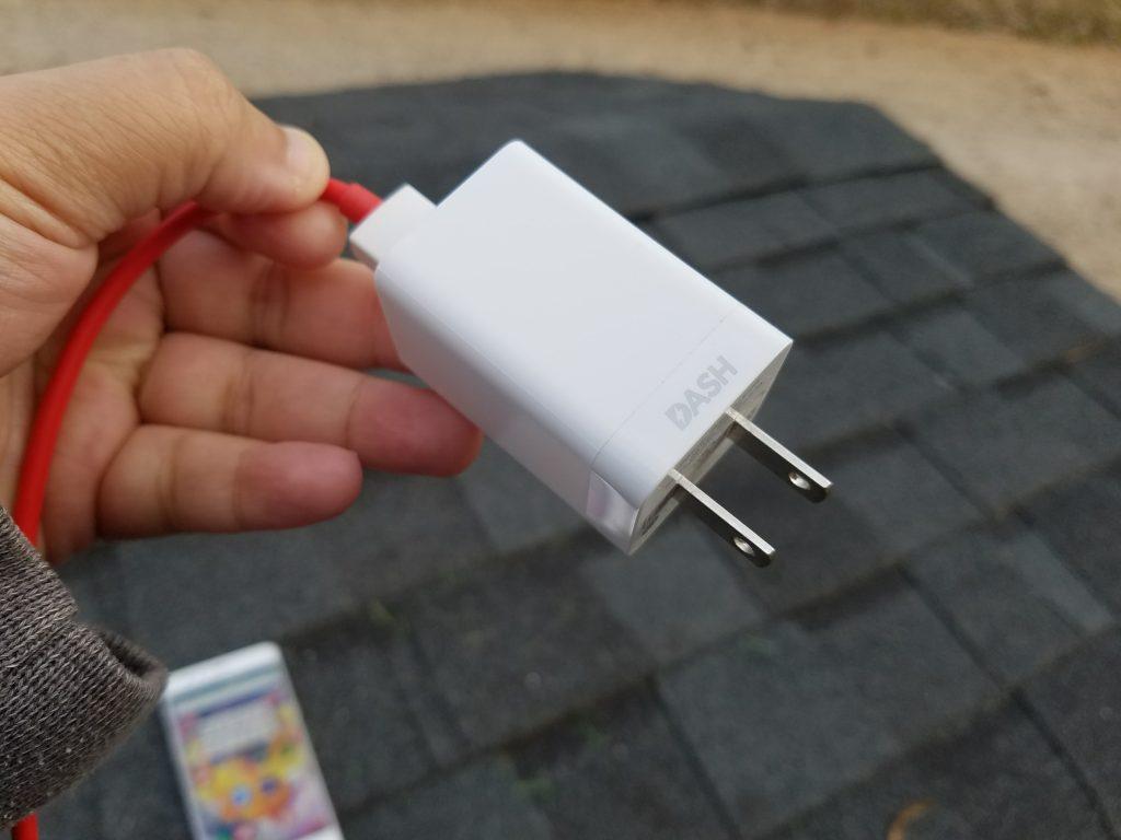 OnePlus 3 DASH charger plugin