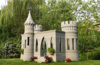 A 3D printing enthusiast has printed himself a small castle on a printer of his own making