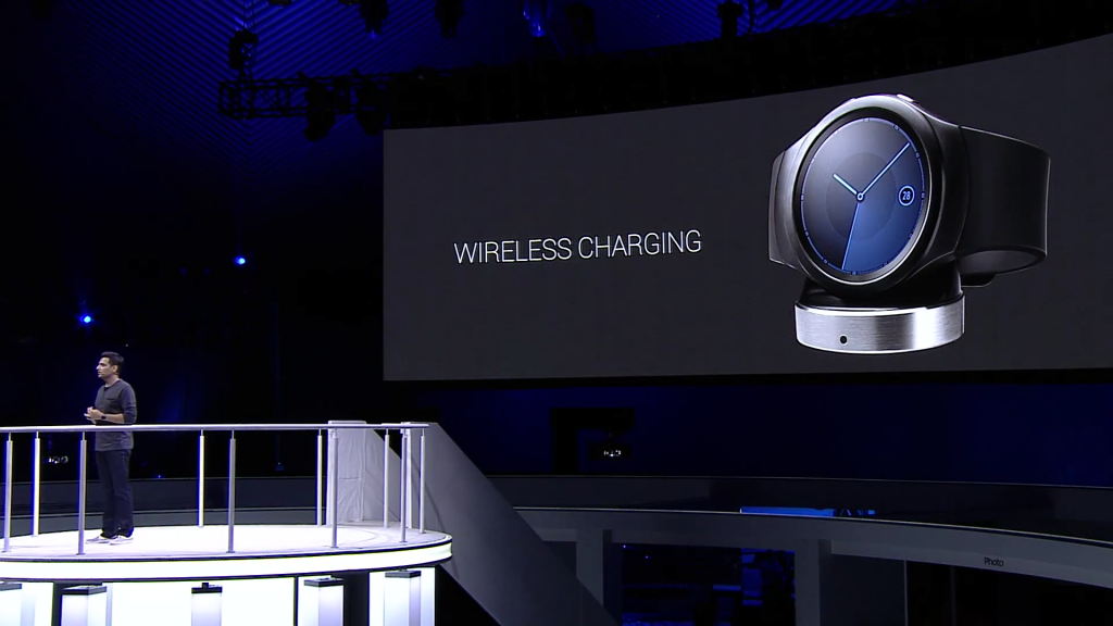Gear S2 comes with wireless charging