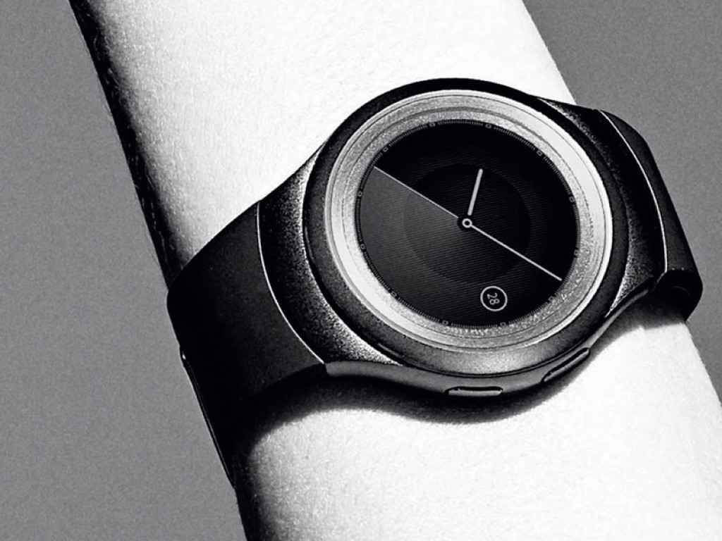 Gear S2 smartwatch up close