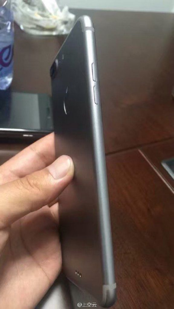 iPhone 7 Plus volume buttons
