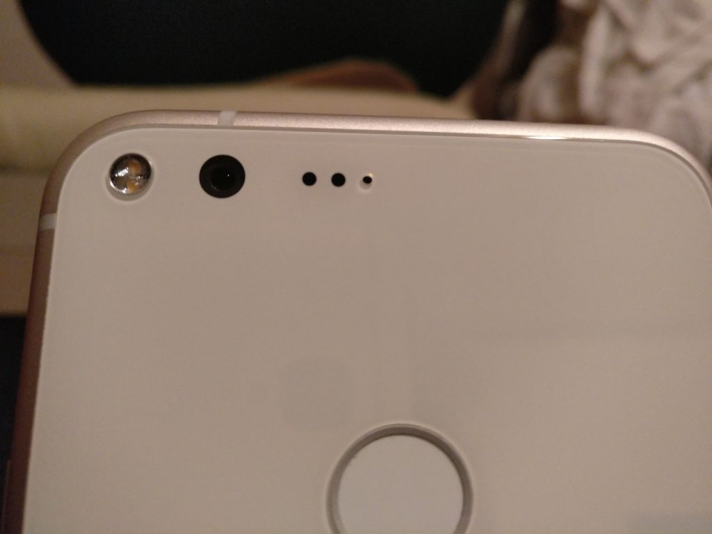 Pixel XL camera flash flaw